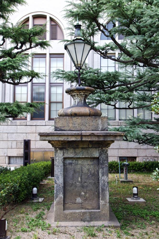 大阪造幣局のガス灯.jpg