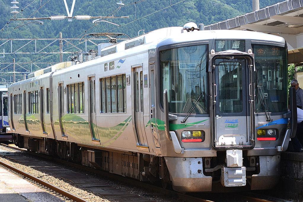 あいの風とやま鉄道521系.JPG