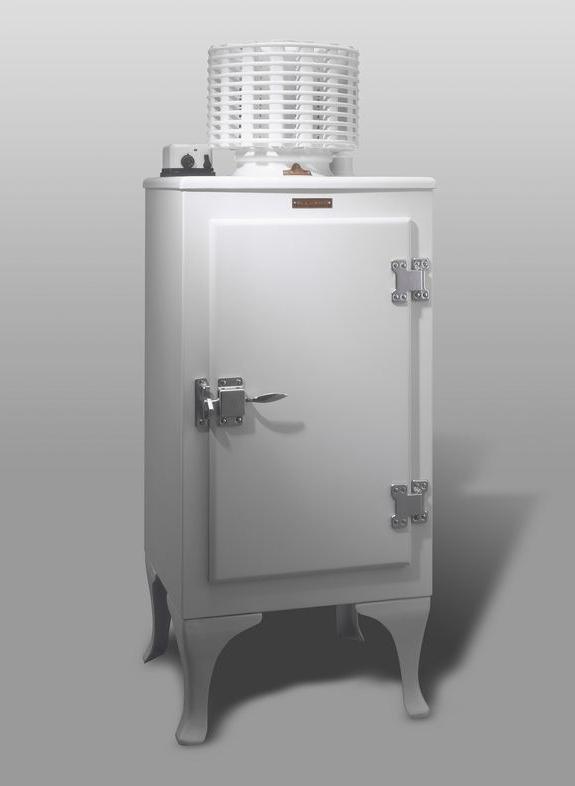 国産第一号冷蔵庫.jpg