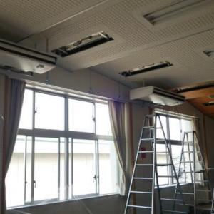 東部中学校外8校特別教室エアコン設置に伴う電気設備工事 1